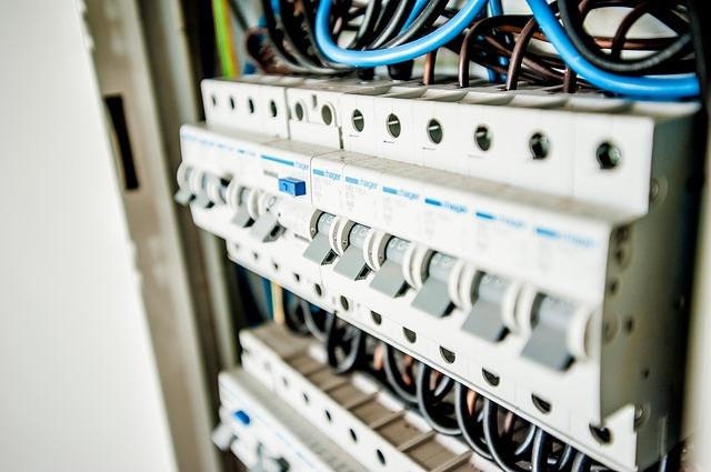 electric-1080585_640